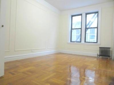 Photo of West 44th Street, New York, NY 10036